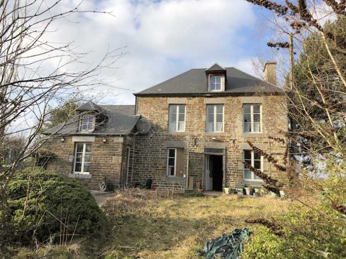 UNDER OFFER AHIN-SIF-001143 • Nr Vassy, Calvados •  3 Bedroomed Hamlet Farmhouse, Hamlet • Land Size: 4,074m²