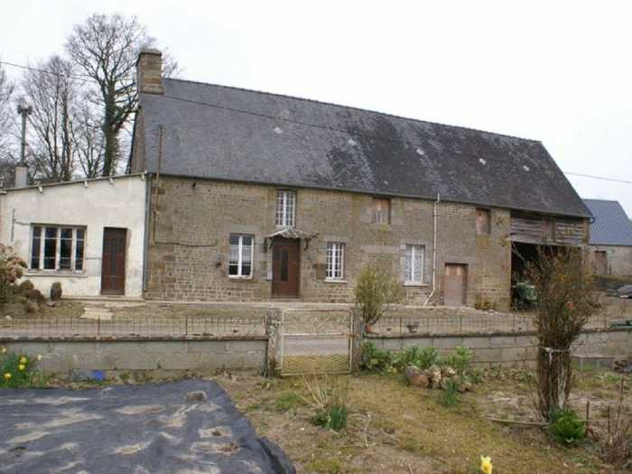UNDER OFFER AHIN-MF998-DM50 • Sourdeval House to renovate with large plot of 1.7 hectare