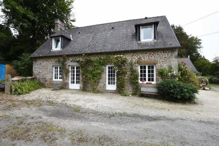 AHIN-SP-001461 50150 Nr Sourdeval Detached 3 bed house in a hamlet with beautiful garden and separate 1 bed gîte - 1204m2 garden