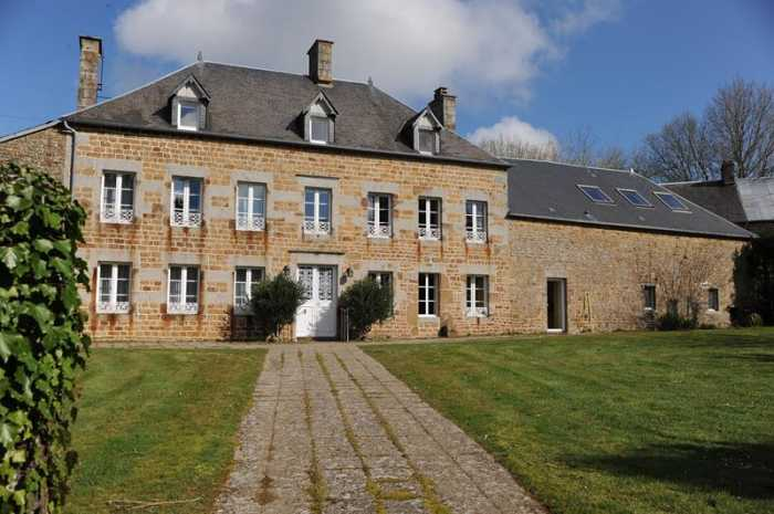 AHIN-SP-001161 Nr Flers - Athis de l'Orne 61100 Country Estate with Manor House, Studio, house to renovate and just over 11 acres - ideal as a substantial family home or B&B.