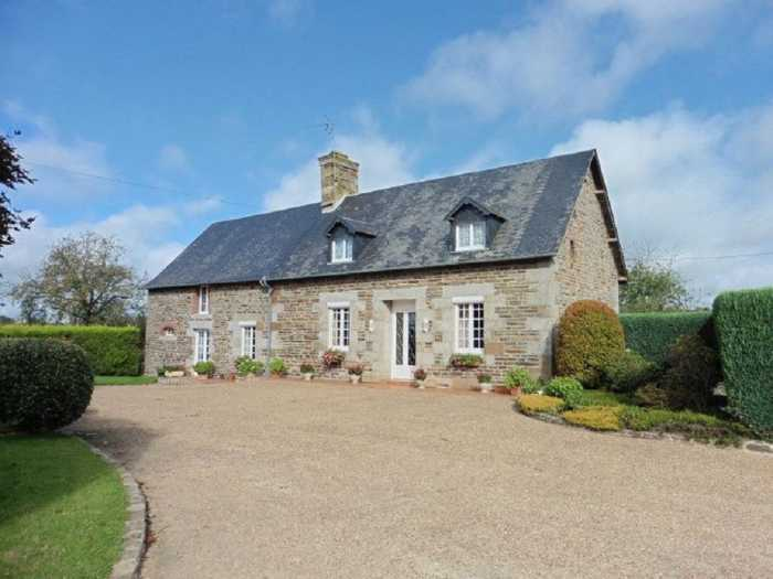 AHIN-MF-1162DM50 St Hilaire du Harcouet 3 bedroom farmhouse on 16,600m2 grounds with outbuildings.
