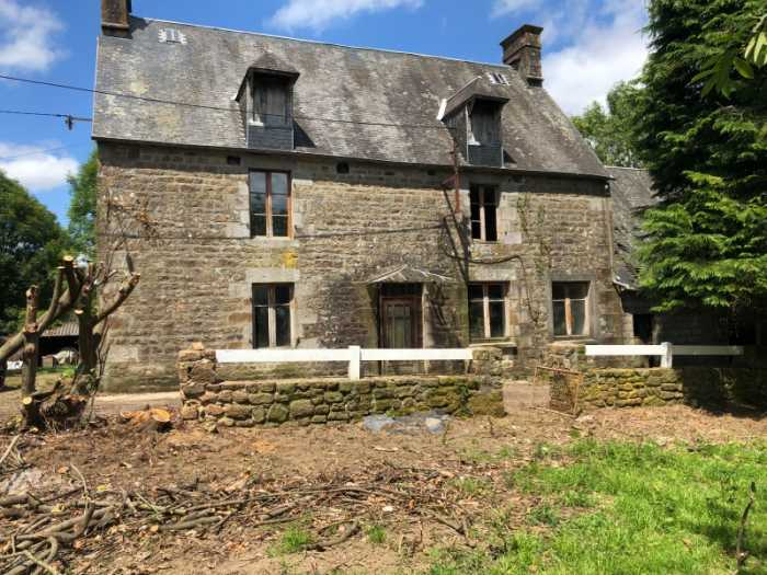 AHIN-SP- 001321 Nr Juvigny le Tertre 50520 3 bedroom Farmhouse to modernise with about 5 acres and outbuildings