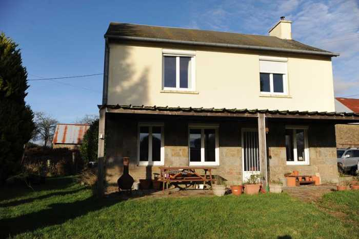 AHIN-SP-001160 • Saint-Pois • Detached 3 bedroomed house with Barns and just under 4 acres