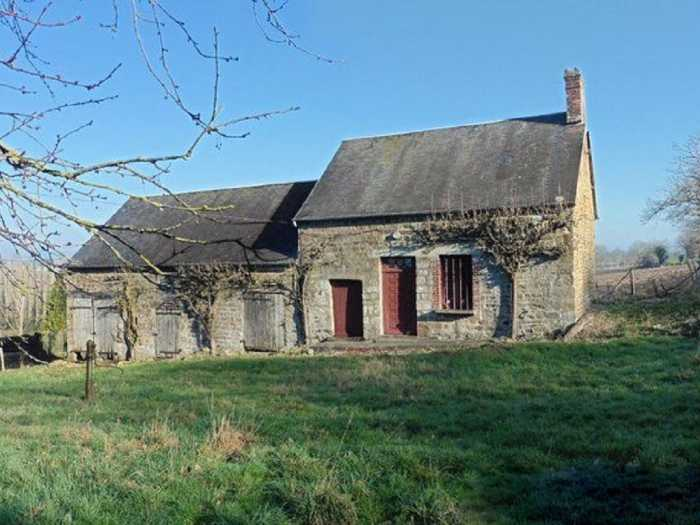 AHIN-DM-1041DM50 Nr Barenton 50720 Pretty little farm to renovate on 5000m2… more land possible.