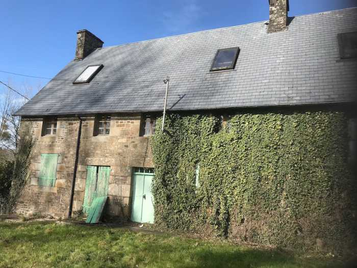 AHIN-SP-001134 Nr St James 50240 5 bedroomed house with 5 acres near village
