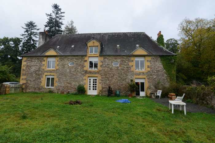AHIN-SP-001227 Nr Domfront 61700 Stunning 5 bedroom Manor House in Normandy ready to finish restoring to its former glory! 10,014m² land
