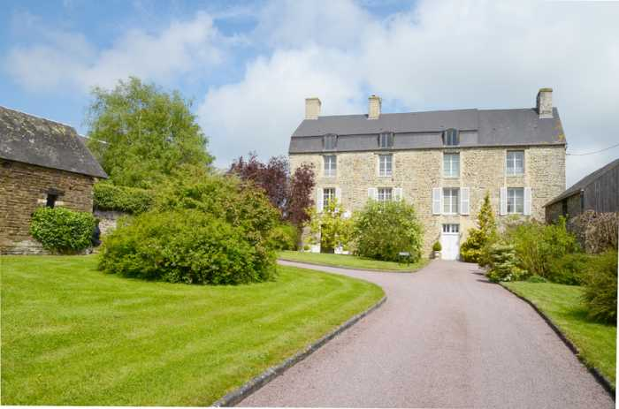 AHIN-SG-877 • Thury Harcourt 14220 Impressive 5 bedroomed Manor House with Stunning Views on 5600m2, 25 mins from Caen