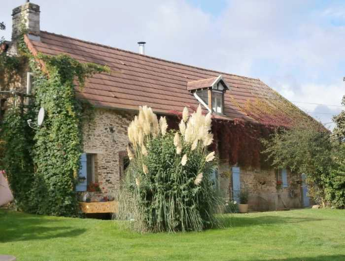 AHIN-KR-1901 • Litteau, Calvados, 4 Bedroomed Farmhouse with 2 Gites and Apartment on 6,000m2