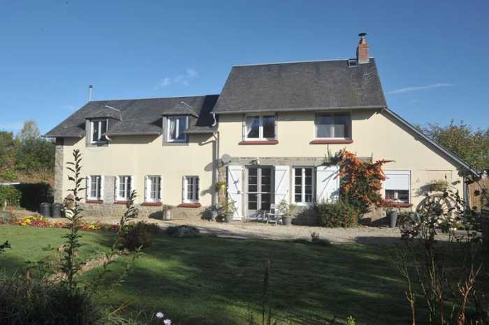 UNDER OFFER AHIN-SP-001122 Nr Mortain 50140 Detached 5 bedroom house with versatile accommodation for B&B or gîte on 4392m2