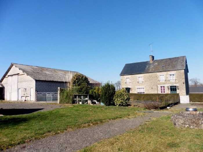AHIN-MF-1209DM50 Nr St Hilaire du Harcouet 6 bedroom detached house on 2 acres
