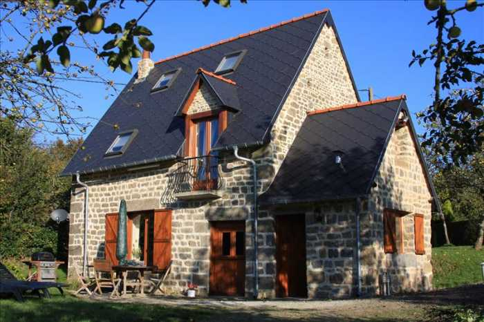 AHIN-SIF-00929 Nr Sourdeval 50150 Normandy farmhouse with 2 cottages, stabling, barn and workshop standing in just over 2 acres with open views over surrounding countryside.