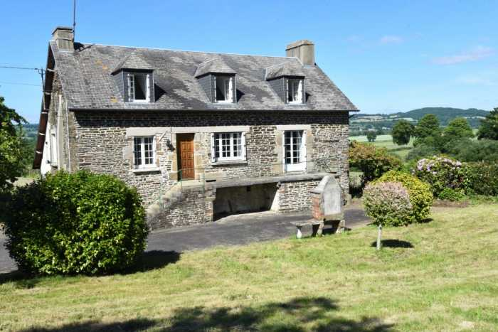 UNDER OFFER AHIN-SP-001421. Juvigny-le-Têrtre 50520 5 bedroom Farmhouse with nearly 3 acres, barn and superb views