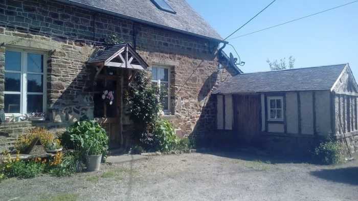 AHIN-SP-001376 • St Hilaire area • Character 5 Bedroomed detached house and gîte in Normandy • 50640