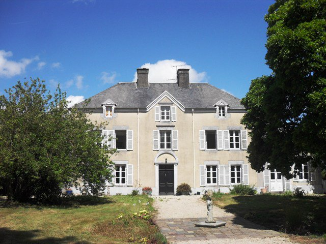 AHIN•SG-2117 Gavray 50450 Lovely and spacious 7 bedroomed manor house with 2 acres