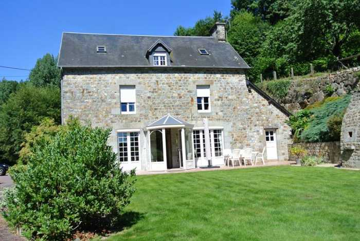 AHIN-SIF-00781 • Mortain, 4 Bedroomed House - Great Views - on 2 Acres of land.