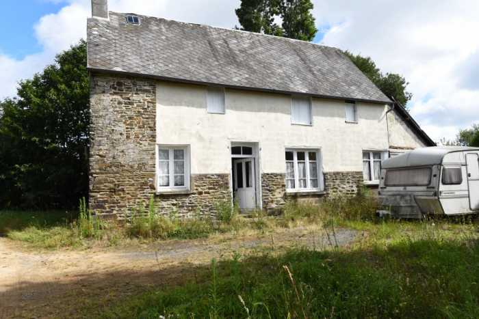 AHIN-SP-001322 Nr Isigny le Buat 50540 Detached house to renovate with outbuildings and over 1.5 acres