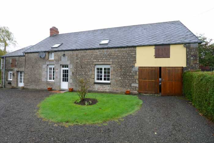 AHIN-SP-001244 Nr Villedieu les Poêles 50670 Detached 3 bed family house with large 1,870m² garden in quiet rural hamlet.