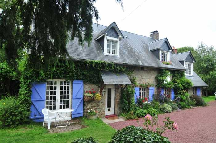 AHIN-SIF-001086 Nr Saint-Vigor-des-Mézerets 14770 Pretty stone house with B&B potential and large garden - 3,590m²