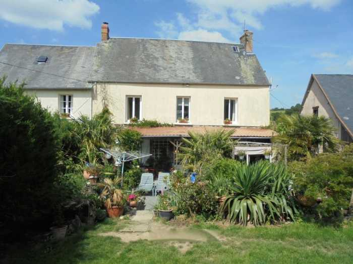 AHIN-KR-1388 Torigni sur Vire 50160 This is a wonderful opportunity to purchase a spacious house with 2 Gites set in the beautiful Normandy countryside just 15 minutes from the bustling town of St.Lo.