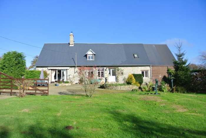 AHIN-SP-001272 • Mortain• Traditional Detached 4 Bedroomed Farmhouse house on 1,796m2 of land