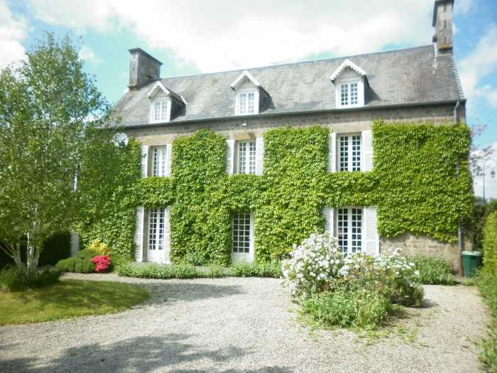 AHIN-KR-1640 Domjean 50420 Magnificent 6 bedroomed house on the edge of a friendly village on 2.8 acres