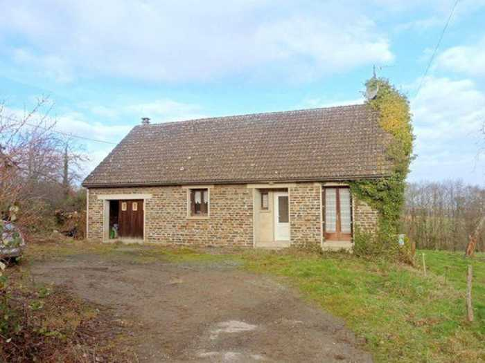 AHIN-MF1033DM50 St Hilaire du Harcouet 50600 2 bedroomed house with 5 acres
