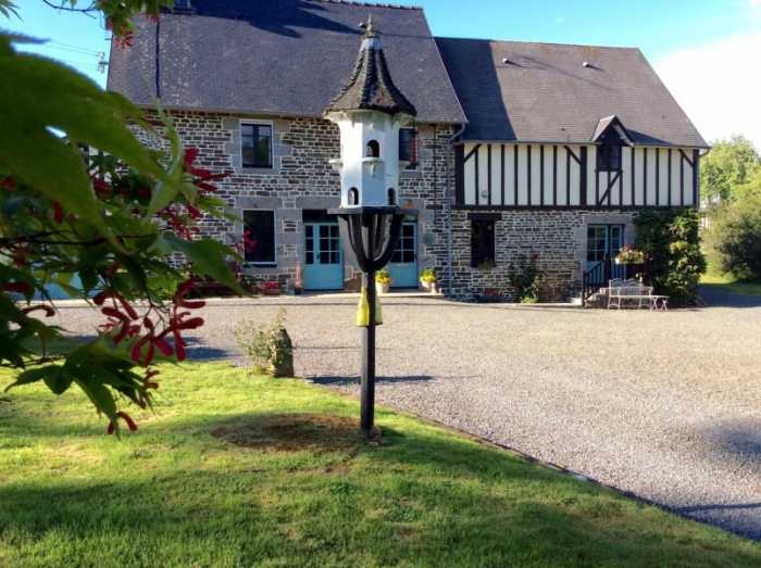 UNDER OFFER AHIN-SP001298 Nr Brecey 50370 Superb, immaculately presented, B&B in Normandy with 2 gîtes and just under 3 acres