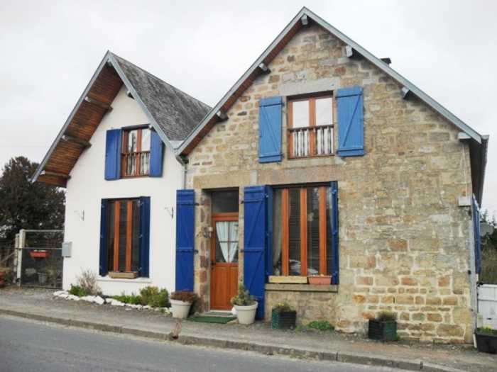 AHIN-SG-814 Sourdeval 50150 Jolly 3 bedroomed village house with 240m2 garden