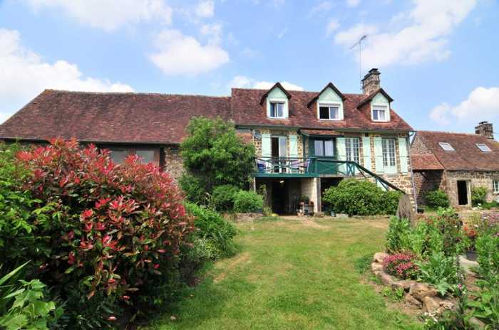 AHIN-SP-001063 • Nr Domfront • 4 Bedroomed Detached House (Equestrian) inc Gite on 5 Acres