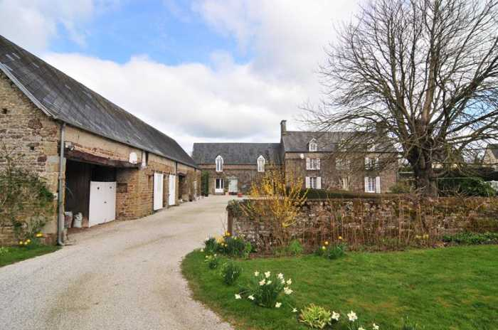 AHIN-SIF-001011 Nr Domjean 50420 Manor 6 bedroom House in pretty Normandy village with barns and nearly 3 acres.