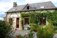 AHIN-SP-001223 Nr Saint-Hilaire-du-Harcouët 50600 Pretty detached 3 bedroom country house with over 3/4 acre garden in quiet rural hamlet.