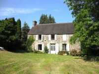 AHIF-SG-2032 St Hilaire du Harcouet 50600 Three character homes with lake and 48 acres