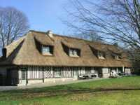AHIN-1624PR Beuzeville-Honfleur 27210 Beautiful 5 bedroomed detached thatched cottage on 2+ acres