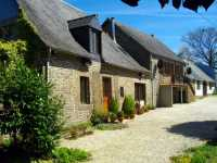 AHIN-SIF-001024 Nr Gorron 53120 House, Apartment and Barn with permission to convert in 2.5 acres - 4 bedroomed property