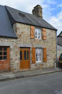 AHIN-SIF-001208 Nr Mortain 50140 Ideal 2 bed holiday home with garden and garage and within walking distance of Town.