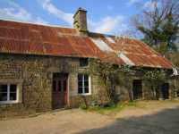 AHIN-SP-001291 Nr Saint Pois 50670 Farmhouse for renovation with over 1.25 acres and numerous outbuildings