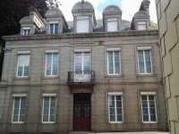 AHIN-SP-001263 • Saint Hilaire du Harcouët • 7 Bedroomed Town Centre Maison de Maître with walled garden and garage
