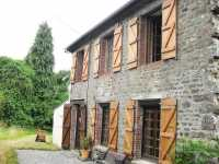 AHIN-SG-1843 • Gavray, Manche • 2 Bedroomed Stone Cottage on 836m2 of garden