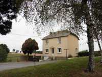 AHIN-MF-1009DM50 • 10 mins St Hilaire du Harcouet • 3 Bedroomed House on 4,800m2