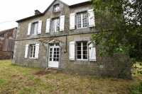UNDER OFFR AHIN-SP–001449 St Pois • 50670 • 4 Bedroomed Maison de Maître on 2 acres with outbuildings
