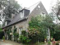 AHIN-SG-1949 • Nr Vire • 4 Bed House with S/C 1 Bed Gite on 1204m2 garden