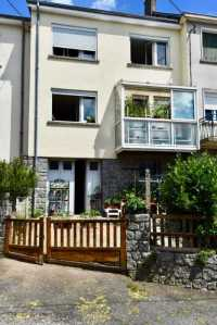 AHIN-SP-001301 • Mortain • 3 Bedroomed Town House + courtyard and garage within walking distance of all amenities. 50140