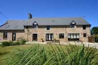 AHIN-SP-001202 Nr Le Teilleul 50640 Well appointed 4 bed house and 2 bed gîte with over half an acre 2574m2 garden and outbuildings