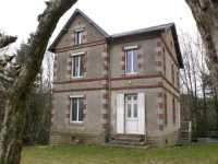AHIN-MF915-DM50 Sourdeval 50150 Renovated stone bourgeois 3 bedroomed house on about 4 000 m² wooded land